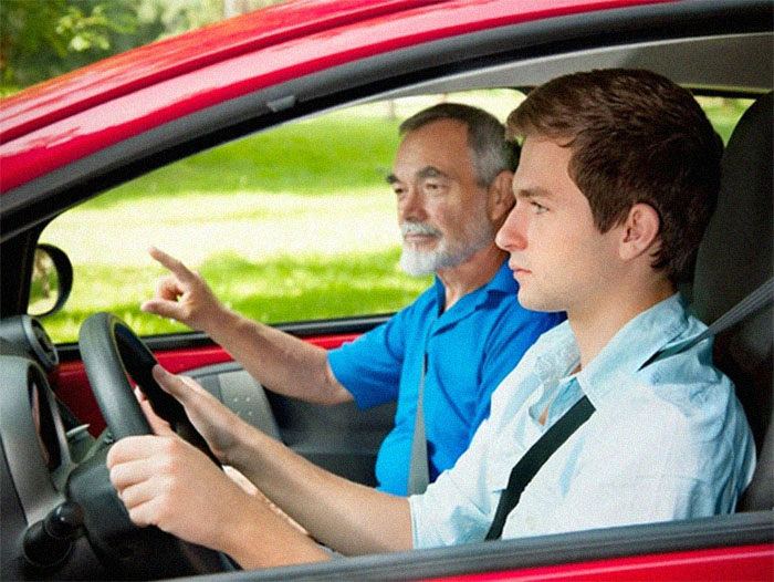 Уроки вождения. Как найти автоинструктора